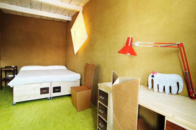 La stanza da letto a disposizione degli ospiti con il letto matrimoniale